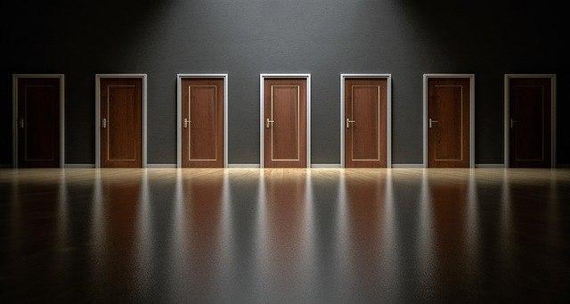 doors 1587329 640 1