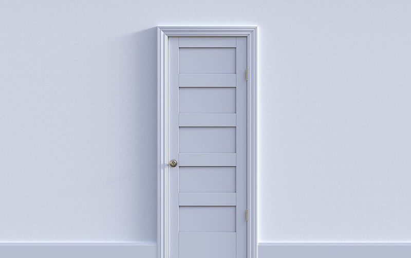 Интериорна бяла врата